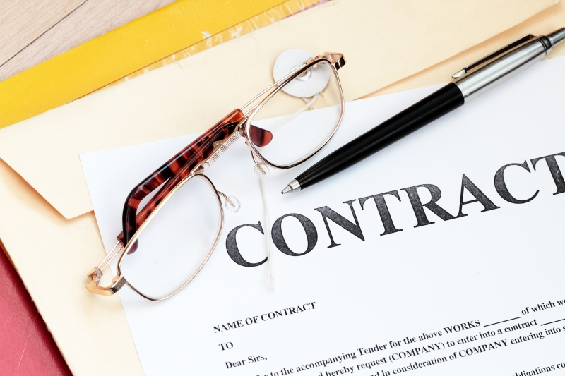 1597716-legal-contract-law-papers